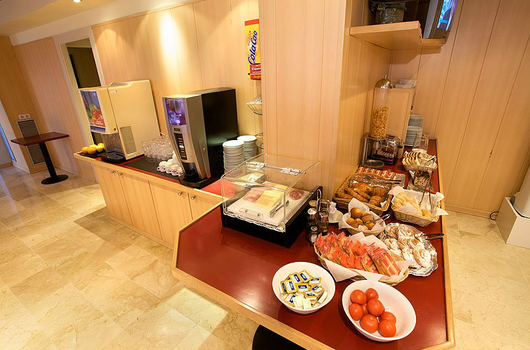 Start the day right foot with our full breakfast buffet