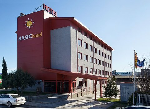 The Basic Hotel is a modern, economical and functional hotel
